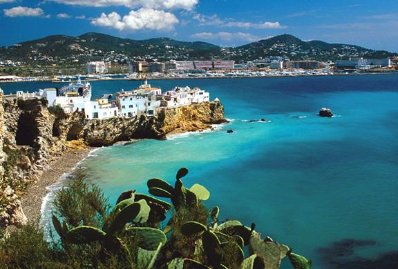Woah! You're Going to Ibiza! – The Two Broke Girls